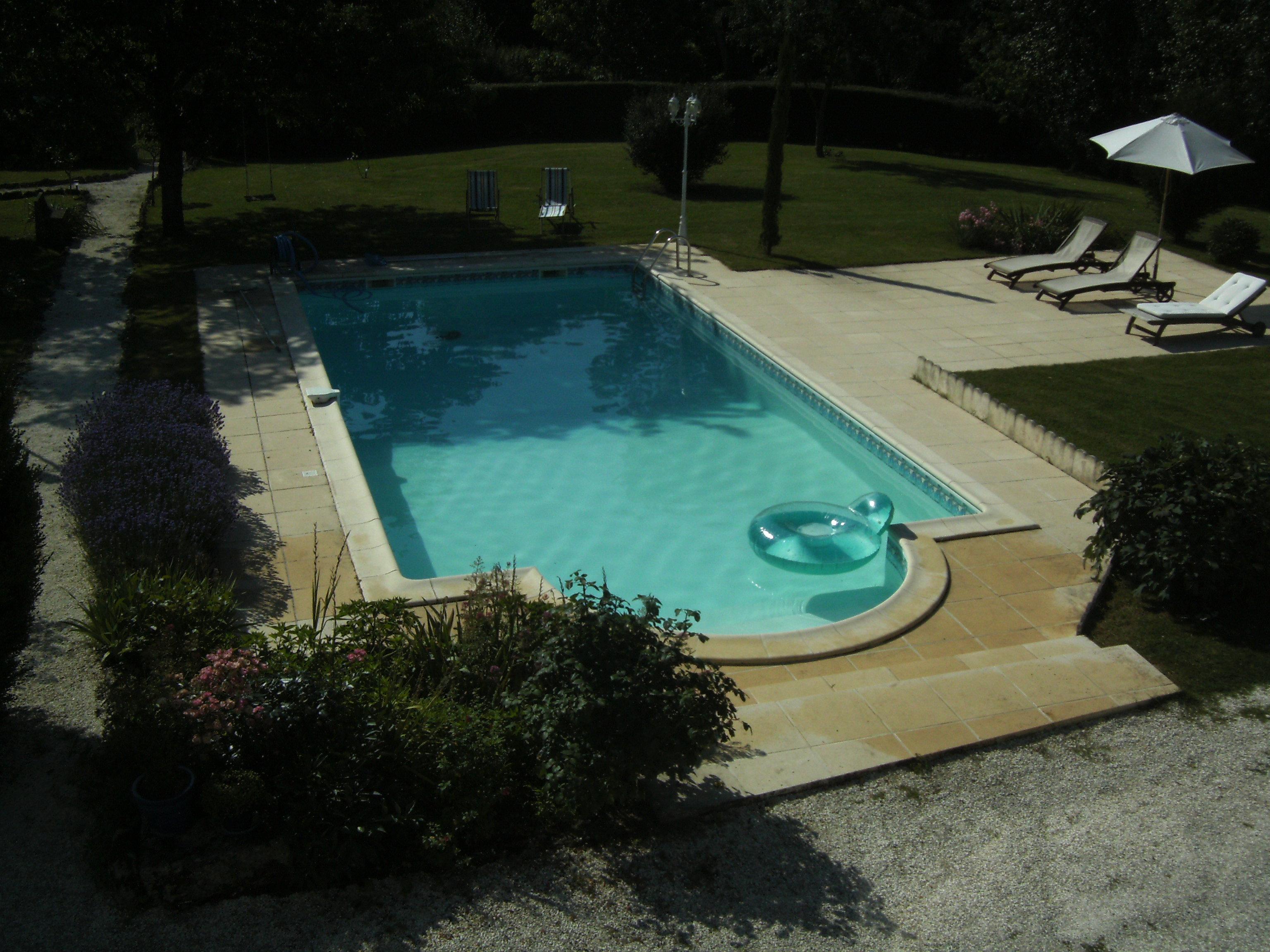 Chambre d 39 hotes royan avec piscine for Camping a royan avec piscine